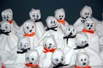 article-new-thumbnail-ehow-images-a00-01-bg-make-tissue-ghostsmake-tissue-ghostsmake-tissue-ghostsmake-tissue-ghosts-800x800
