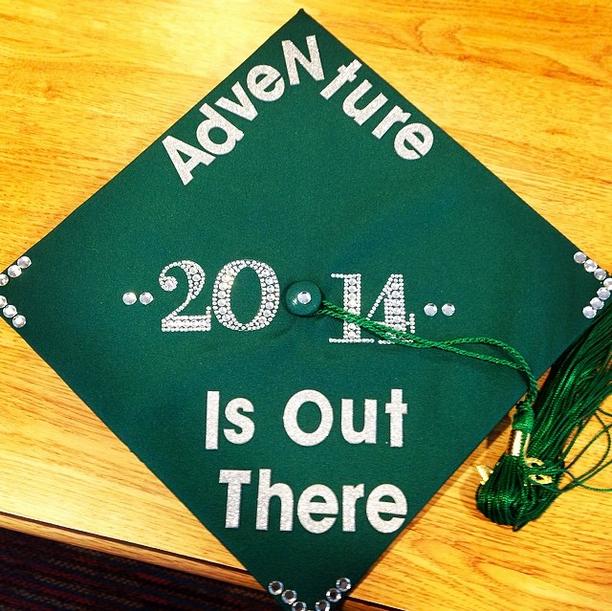 Decorating your Graduation Cap Party (3/6)