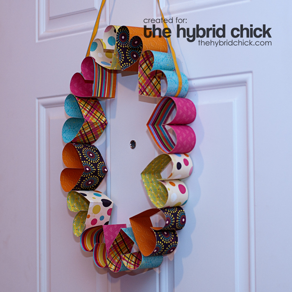 Paper Heart Wreath from thehybridchick.com